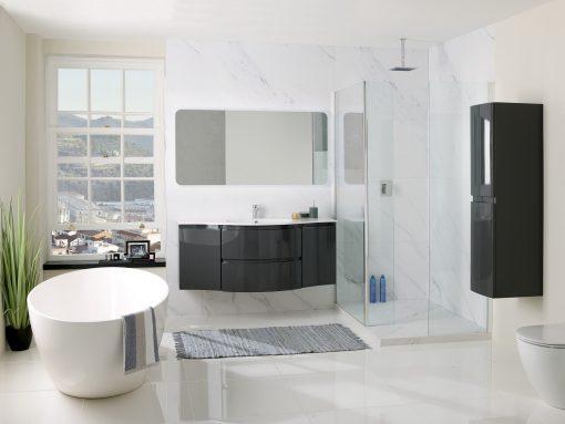 black gloss bathroom